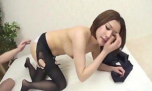 Valorous pounding be beneficial to Emi Oriharas wet pussy
