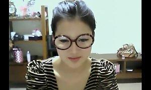 Cute Korean Girl Shows Into abeyance Webcam - WebCamStripper.net